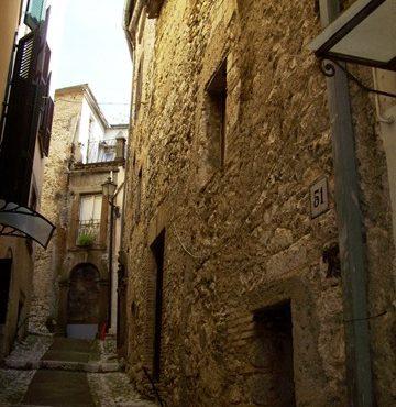 Veroli, centro storico, cielo terra da ristrutturare