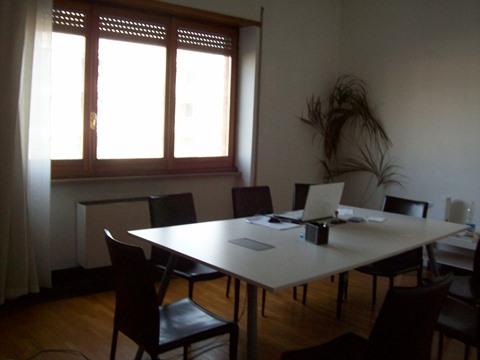 Frosinone, appartamento uso ufficio, terzo piano