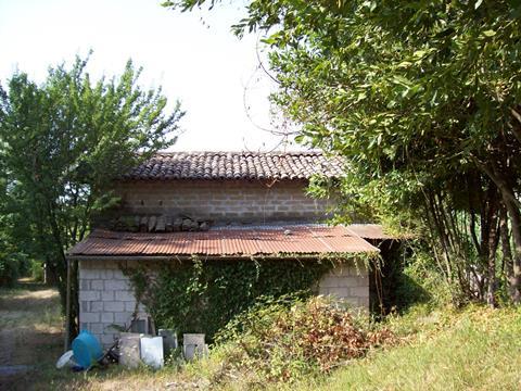 Veroli, localita' Bagno rudere e terreno
