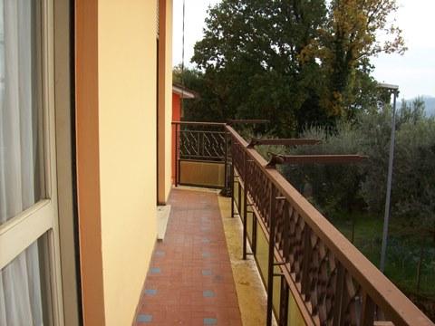 Boville Ernica, abitazione su due livelli.