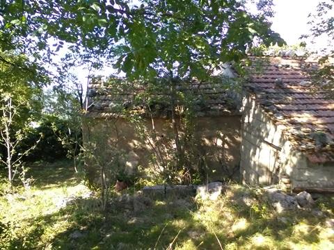 Veroli, Santa Francesca, fabbricato da ristrutturare con terreno