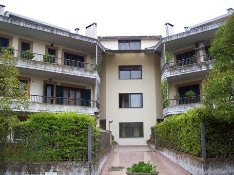 Frosinone, zona bassa, appartamento arredato