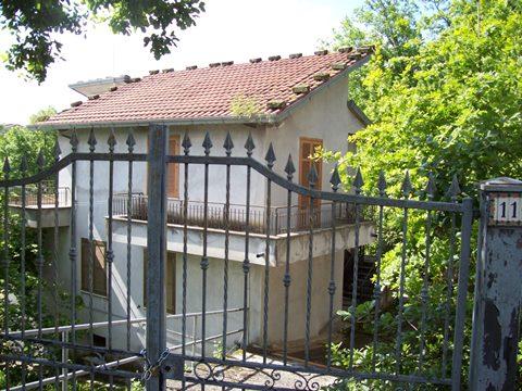 Veroli, abitazione singola plurifamiliare
